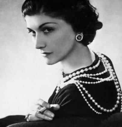 Mariage rétro des années 20 à 30 : robe, coiffure et maquillage